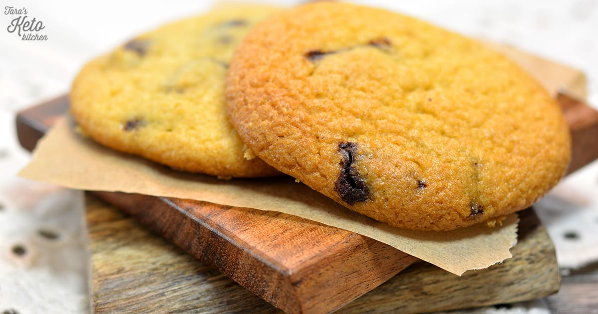 close up image of keto chocolate chip cookies