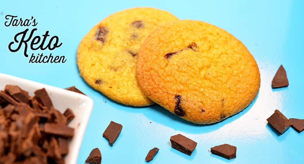 keto chocolate chip cookie picture with keto chocolate chips around it