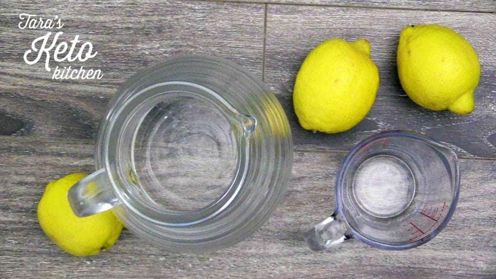 keto lemonade preparation