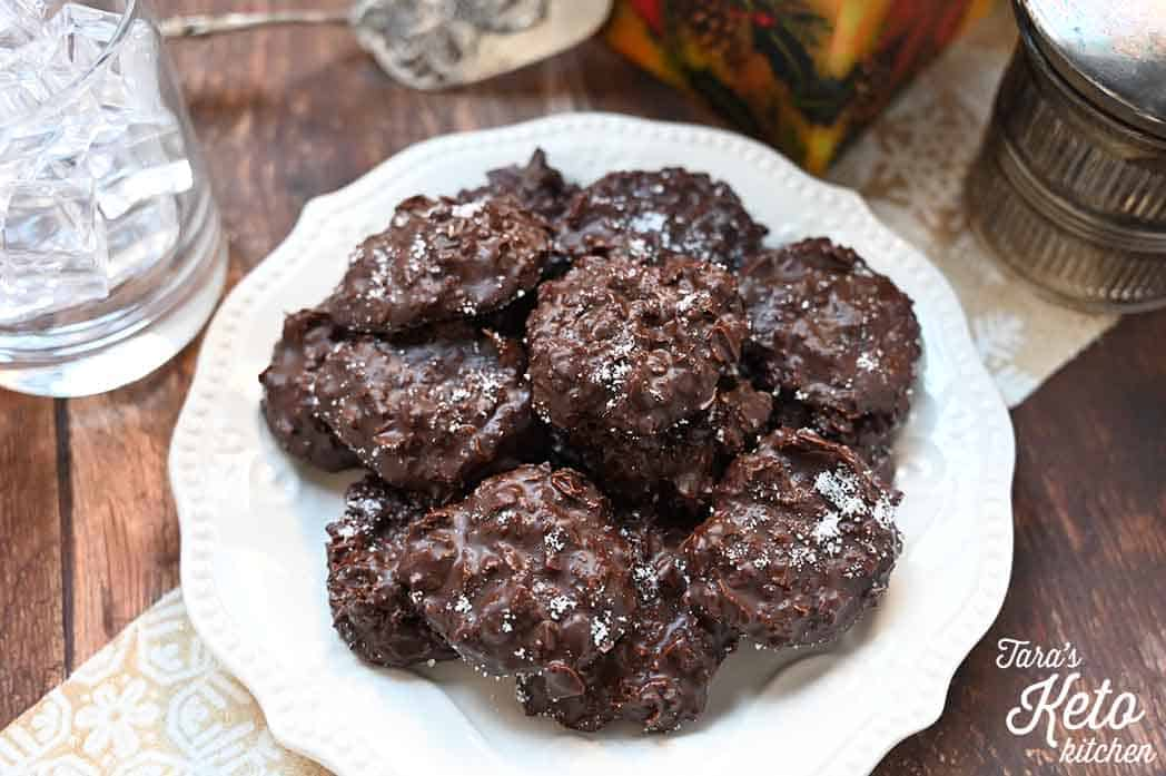 keto christmas recipe dark chocolate coconut clusters on a plate